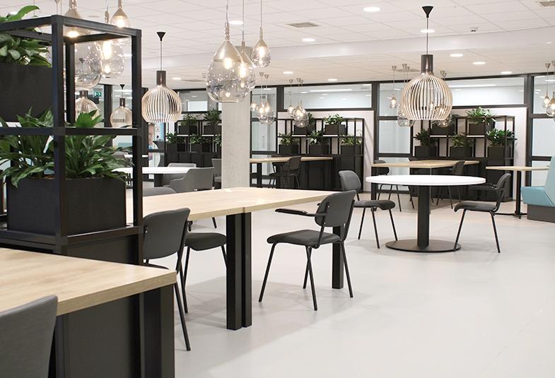 COwerk Cast divider wandkast staal zwart planten restaurant pr1a