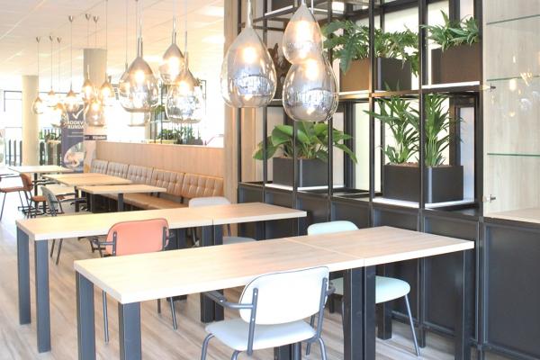 COwerk Cast divider wandkast staal zwart planten restaurant pr7