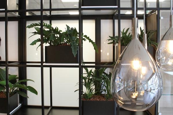 COwerk Cast divider wandkast staal zwart planten restaurant pr9